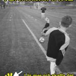 Två spelare spelar Fotboll 2000's digitala teknikmärket