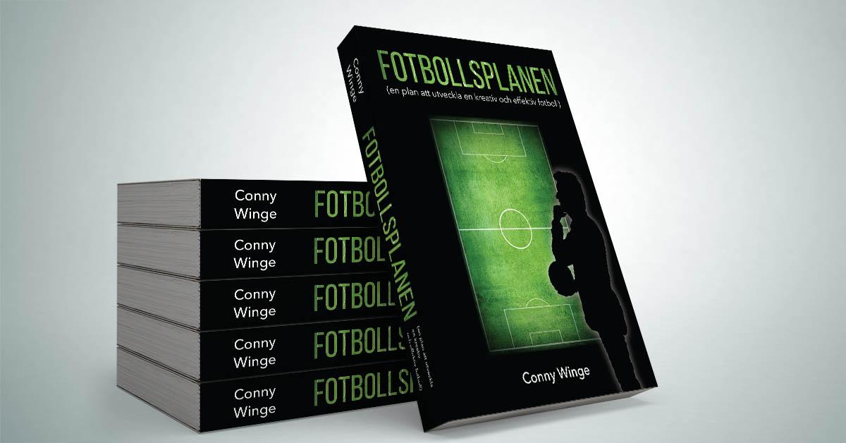 Flera exemplar av Fotboll 2000's bok Fotbollsplanen